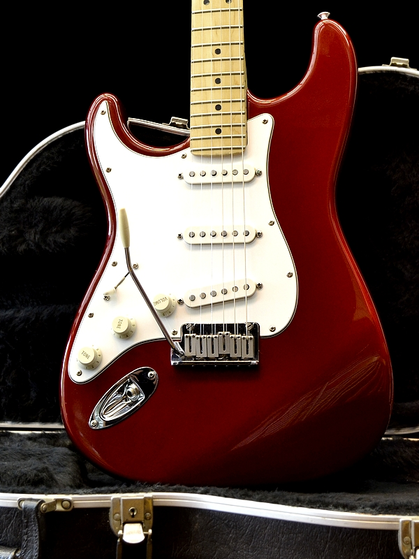 Fender Stratocaster, Candy Apple Red – 40th Anniversary model. LEFTY